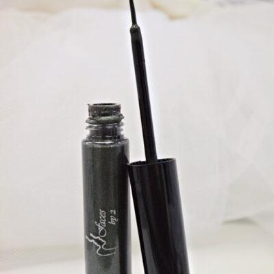 liquid-eyeliner-peacot